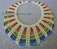 Seed bead jewelry Easy Rainbow Beaded Necklace Tutorial ~ Seed Bead Tutorials Discovred by : Linda LinebaughBest collection of free jewelry making tutorials, craft ideas, design inspirations, tips and tricks and trends Armband Tutorial, Necklace Tutorial, Necklace Ideas, Necklace Designs, Seed Bead Tutorials, Jewelry Making Tutorials, Free Beading Tutorials, Beaded Necklace Patterns, Beading Patterns