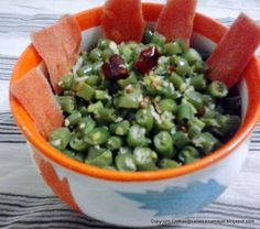 kalakkalsamayal: beans thuvatal if done with tender beans then it tastes too good. Curry Recipes, Vegetarian Recipes, Long Bean, Beans Curry, Vegetable Curry, Stir Fry, Guacamole, Coconut, Daal
