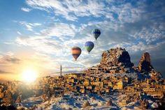 Kapadokya/Nevşehir/// Bölge günümüzde turizm açısından büyük bir öneme sahiptir. Avanos, Ürgüp, Göreme, Akvadi, Uçhisar ve Ortahisar Kaleleri, El Nazar Kilisesi, Aynalı Kilise, Güvercinlik Vadisi, Derinkuyu, Kaymaklı, Özkonak Yeraltı Şehirleri, Ihlara Vadisi, Selime Köyü, Çavuşin, Güllüdere Vadisi, Paşabağ-Zelve Anapınar Köyü belli başlı görülmesi gereken yerlerdir.