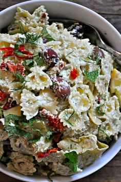 Vegan Tzatziki Pasta Salad – Rabbit and Wolves This incredible vegan tzatziki pasta salad is perfect for warm weather days. Creamy and rich vegan tzatziki sauce tossed with pasta and veggies. It is amazing! Salad Recipes Video, Pasta Salad Recipes, Orzo, Healthy Snacks For Diabetics, Healthy Eating, Quinoa, Feta, Vegan Tzatziki, Vegetarian Recipes