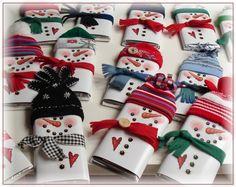 van pinterestpuntcom. Wat een leuke cadeautjes, als je een kerstgroet op de wikkel print, kan je het ook verzenden als 'kerstkaart'.