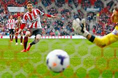 Sunderland AFC 4 Cardiff City FC 0: Fabio Borini scores Sunderland's second goal from the penalty spot.