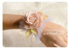 Цветочный корсаж из фоамирана   #цветыизфоамирана #цветы #рукоделие     ФОАМИРАН : http://www.dvor-decor.ru/collection/foamiran-iran ,   Кружево : http://www.dvor-dec...