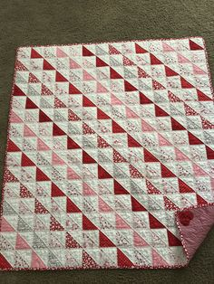Quilts letter u color red - Red Things Lap Quilts, Scrappy Quilts, Small Quilts, Mini Quilts, Quilt Blocks, Heart Quilts, Quilting Projects, Quilting Designs, Elephant Quilt