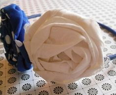 Rolled roses blue & white headband