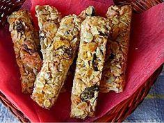 Domácí müsli tyčinky - | Prostřeno.cz Muesli, Granola, Toffee Bars, Oreo Cupcakes, French Toast, Food And Drink, Breakfast, Fit, Caramel Bars