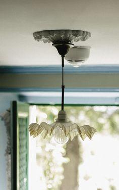 Monet´s hus i Giverny. Decor, Interior Decorating, Giverny, Interior, Lamp, Bohemian House, Ceiling Lights, Lights, Pendant Light