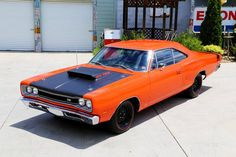 Mostly Mopar Muscle - 1969 Dodge Super Bee Plymouth Muscle Cars, Dodge Muscle Cars, Bees For Sale, Dodge Super Bee, Mopar Or No Car, Road Runner, American Muscle Cars, Dodge Charger, Amazing Cars