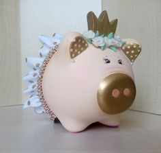 Crown in cold porcelain. This creation is an original, one of a kind design and is signed by me. Design may slightly vary as each piggy bank is hand-painted individually. Pig Bank, Personalized Piggy Bank, Cute Piggies, Flying Pig, Joy To The World, Little Pigs, Cool Toys, Decoupage, Baby Shower