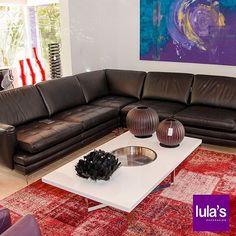 La sala es el lugar de la casa donde no sólo te relajas con tus amigos o familiares, sino que sirve para recibir a las visitas. Ven a #Lulas y escoge la que se adapte a tu gusto, a tu espacio y sobretodo, a tu estilo. Visita nuestro punto de venta en la transversal 6 N° 45–79, Patio Bonito, Medellín, tel: 2684641  #interiordesign #home #style #decor #decoración #espacios #ambientes #decohogar #muebles #mobiliario #decoracioninteriores #comedor #sillas #hogar #diseño #homesweethome #cozy…