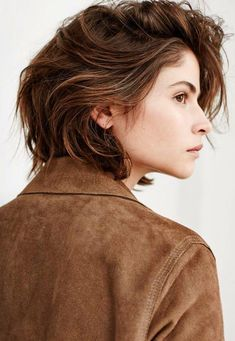 45 short and easy hairstyles to try 2018 short hairstyle DIY; Tomboy Hairstyles, Trendy Hairstyles, Medium Hairstyles, Hair Day, New Hair, Androgynous Haircut, Tomboy Haircut, 90s Grunge Hair, Korean Short Hair