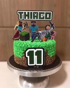10 Birthday Cake, Birthday Cake Decorating, Frozen Birthday Party, Cake Decorating Tips, Minecraft Cupcakes, Minecraft Cake Toppers, Pastel Minecraft, Minecraft Party Decorations, Minecraft Crafts