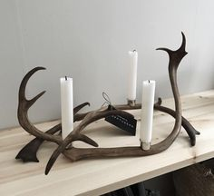 Förstasida - www.lapptussan.se Antler Crafts, Living Room Lounge, Antlers, Candle Sconces, Horns, Home Accessories, Sweet Home, Wall Lights, House Design