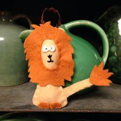 Felt Lion. Handmade by Robinson&Co