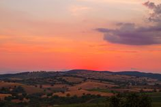 If you like sunsets you will love the dreamy ones at La Capitana, Tuscany, home to our Summer Camp. Just wonderful.