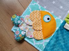 Sewing For Kids, Baby Sewing, Diy For Kids, Fidget Quilt, Baby Fish, Diy Bebe, Baby Couture, Sensory Toys, Baby Quilts