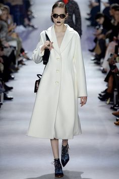 See the complete Christian Dior Fall 2016 Ready-to-Wear collection.