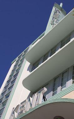 Miami South Beach: Collins Avenue, South Beach (Miami Beach, Florida) >> Explores our deals!