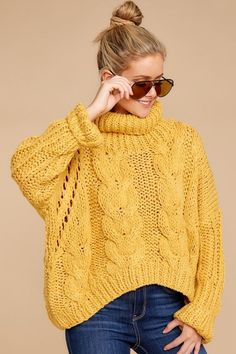 Falling For Trends Yellow Knit Turtleneck Sweater - Knitting Ideas Yellow Sweater Outfit, Sweater Outfits, Casual Outfits, Cable Knit Sweaters, Long Sweaters, Knit Cardigan, Casual Fashion Trends, Fashion Ideas, Pullover Mode