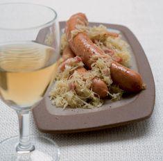 Padellata crauti luganega salsicce piatto tipico Alto Adige ottime ricette per un piatto saporito con i crauti luganega e salsicce