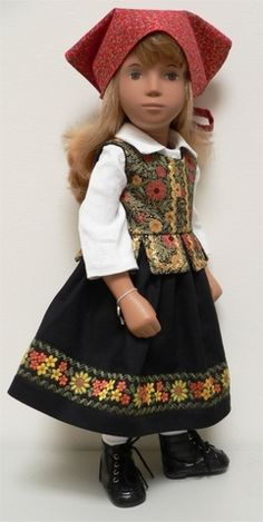 Polish outfit for Sasha doll......vintage braid on skirt........pattern by Peggy Trauger.