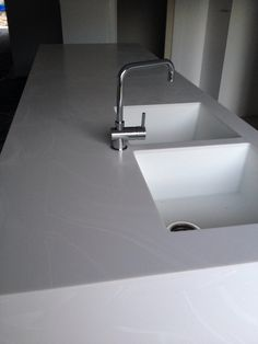 Corian In Venaro White   Warming Effect For Kitchen Worktops?
