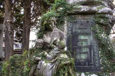 13 Haunted Cemeteries That Every Ghost Story Lover Should Visit