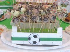 chocolate y burbujas: fiesta de cumpleaños futbolera