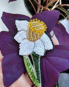 Regrann from @katrinvesna_handmade - Великолепный и прекрасный Нарцисс!! Брошь сделана в подарок. Возможен повтор!! . . #брошьизбисера…