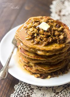 Whole Wheat Apple Crisp Pancakes by foodfaithfitness: These pancakes taste like dessert for breakfast! Using Greek yogurt keeps them light, healthy and creamy. #Pancakes #Healthy #Apple