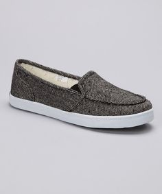A day spent bopping around town calls for a casual counterpart. Made with heathered wool and featuring elastic gussets, this slip-on shoe is a wise style choice.Wool upperFaux fur liningMan-made soleImported