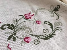 Cross Stitch, Embroidery, Flowers, Decor, Cross Stitch Pictures, Cross Stitch Embroidery, Cross Stitch Designs, Bedspreads, Dots