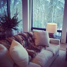 Cozy beige couch Beige Couch, Couch Pillows, Couches, Sofa, Comfort And Joy, Cozy Living Rooms, Living Room Designs, Bean Bag Chair, Love Seat
