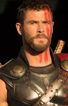 Thor (Chris Hemsworth in Thor: Ragnarok, - Super Heroes Marvel Dc, Marvel Fanart, Marvel Comics, Marvel Actors, Marvel Characters, Chris Hemsworth Thor, Thor Wallpaper, Marvel Photo, Z Cam