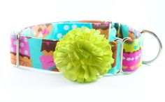 "Dog Collar - Cupcakes - 1.5"" Martingale on Etsy, $26.33 CAD #cupcakes #dogcollar #collar"