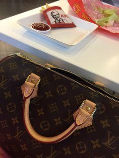 eb7615a2674f 9 Best Fashion Handbags images