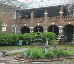 Ghost Hunters Dead and Breakfast Thomas House Hotel in Red Boiling Springs,Tennessee.