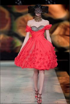 Clothes by Alexander McQueen. Image by Nowfashion.com.