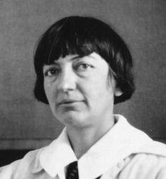 La bioquímica y fisióloga Ethel Ronzoni Bishop (1892-1975) nació un 21 de agosto.
