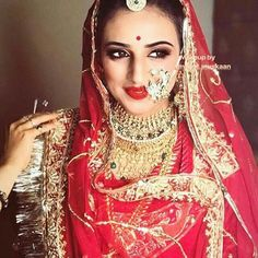 Tips For Planning The Perfect Wedding Day – Cool Bride Dress Rajasthani Bride, Rajasthani Dress, Indian Bridal Makeup, Indian Wedding Jewelry, Petite Bride, Rajputi Jewellery, Rajputi Dress, Vintage India, Royal Dresses