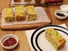 Best zucchini slice recipe - replaced bacon with grated mushroom and added tomato slices on top
