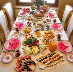 Turkish Breakfast, Breakfast Time, Breakfast Recipes, Breakfast Presentation, Food Presentation, Fingers Food, Ketogenic Coffee, Food Decoration, Food Platters