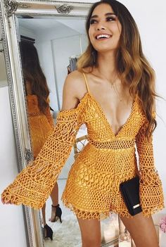 How tо Wear Clothes thаt Flatter Yоu Motif Bikini Crochet, Crochet Romper, Crochet Crop Top, Crochet Clothes, Diy Clothes, Knit Crochet, Knit Fashion, Fashion Outfits, Hippie Crochet