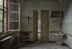 Abandoned Porn - Captured in the abandoned Manicomio Dr. Rossetti...