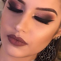 Proceed on regarding the best event framework inspiring ideas for birthday celeb… Proceed on regarding the best event framework inspiring ideas for birthday celebrations. – Das schönste Make-up Makeup Brush Cleaner, Makeup Brush Holders, Smokey Eye Makeup, Skin Makeup, Nude Makeup, Eye Brows, Makeup Inspo, Makeup Inspiration, Makeup Kit