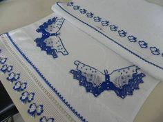 kelebek desenli şık havlu kenarı modelleri