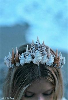 Seashell crown