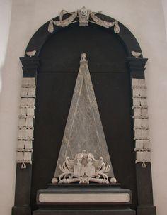 Epitaaf in de Grote Kerk Almelo. Grafmonument van Adolf Hendrik van Rechteren.