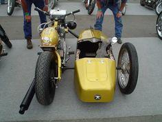 Amazing 3 Wheelers - #searchlocated - Gold Yamaha Virago custom with sidecar