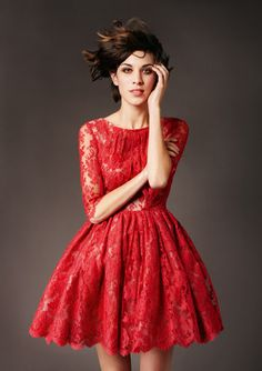 red lace dress and alexa chung......perfection